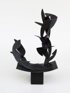 STRUTTURA, 1965. Ferro, cm 42x26x69h