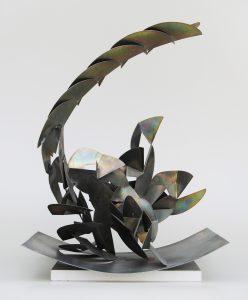 STRUTTURA, 1973. Ferro con zincatura tropicalizzata, cm 68x56x95h