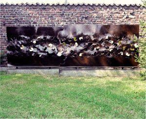 SPAZIO, 1965. Ferro, incisione e intaglio ossidrico, oro e ottone, cm 189x21x155h