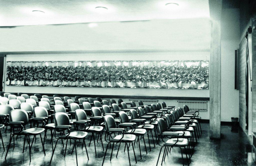 Opera esposta nell'aula Magna dell'Università di Modena